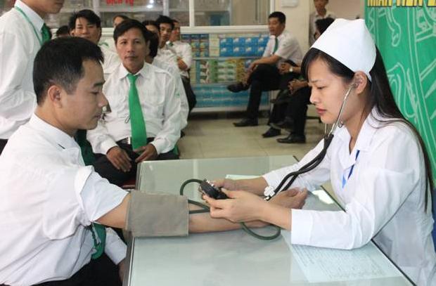 Kiểm tra sức khỏe bắt buộc đối với tài xế.