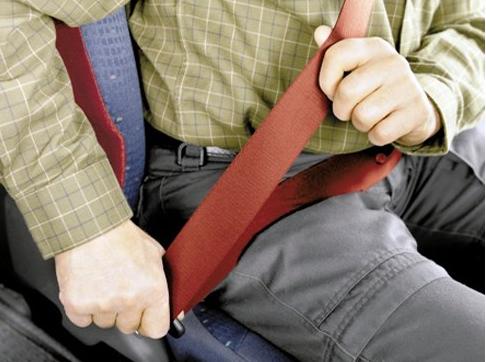 Nguyên lý hoạt động và công dụng của dây an toàn trên xe ô tô