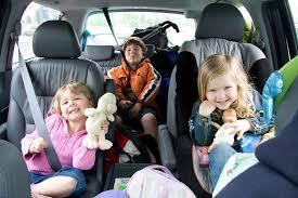 Một vài lưu ý khi cho trẻ nhỏ đi xe ô tô