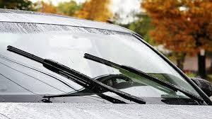 Bộ phận nào của cần gạt nước ô tô dễ hỏng nhất