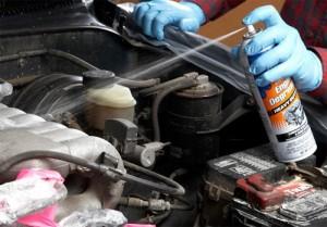 Bao lâu thì vệ sinh khoang máy ô tô?