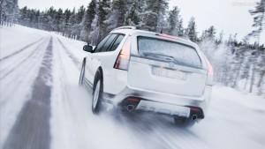 Tại sao xe ô tô khởi động khó vào mùa đông